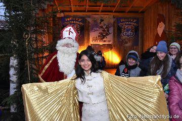 Christkind und Nikolaus waren in Neumarkt unterwegs