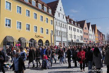 Tausende beim verkaufsoffener Sonntag in Neumarkt