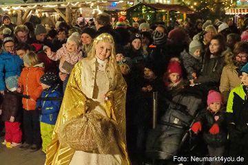 Der Neumarkter Weihnachtsmarkt wurde eröffnet