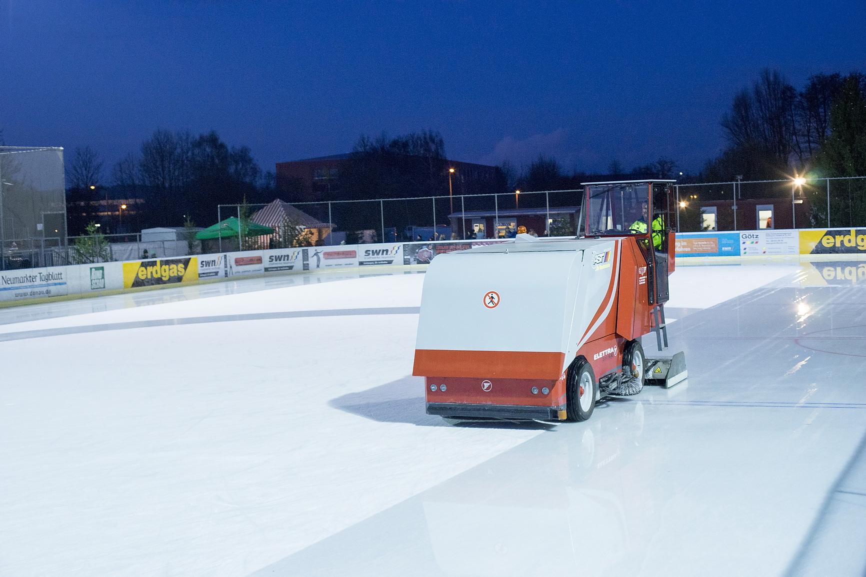 Eislaufen Neumarkt