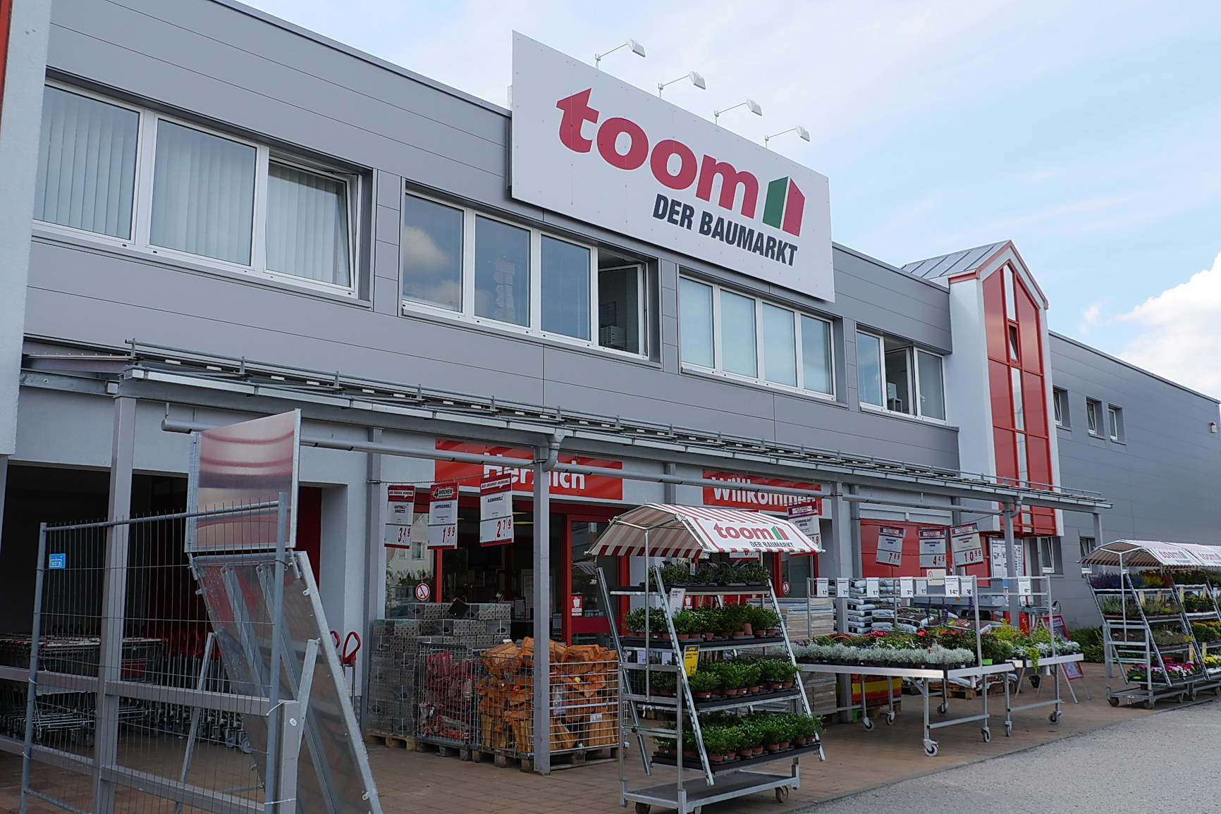 Toom Good Toom Baumarkt Gmbh With Toom Latest Entrada De Pessoas